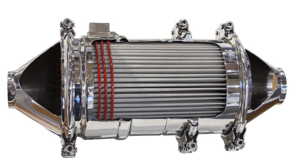 Sección transversal de un catalizador y un filtro de partículas de un motor diesel