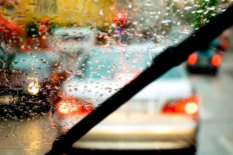 Consejo de tu taller: Cómo conducir con lluvia