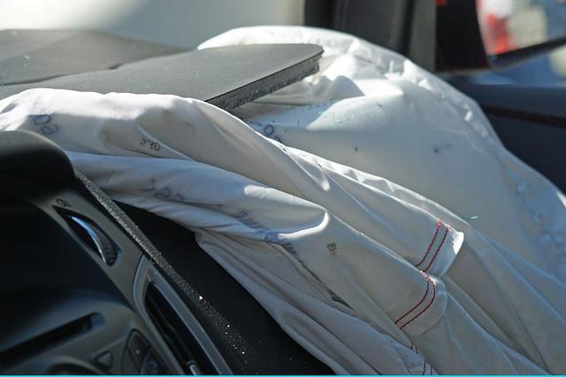 Airbag de tu coche ¿Qué es? ¿Cómo funciona?